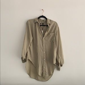 Zara Women Button Up Blouse in Army Green (NEW)